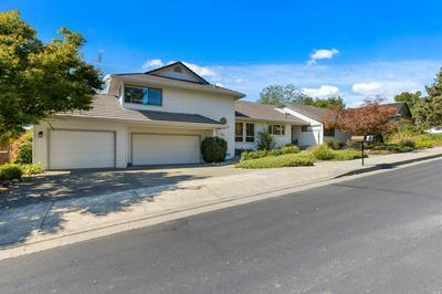 9489 VINECREST RD, Windsor, CA 95492 - Photo 2
