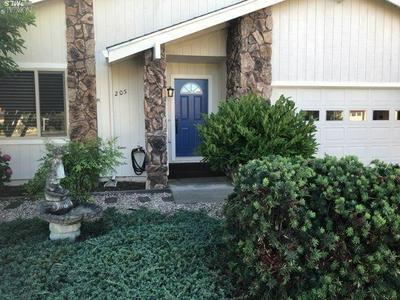 205 COTTONWOOD CIR, Healdsburg, CA 95448 - Photo 2
