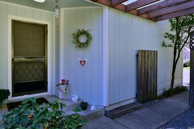 1348 WOODSIDE CT, Healdsburg, CA 95448 - Photo 2