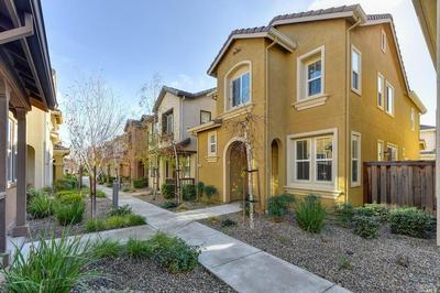 2724 SOHO LN, Fairfield, CA 94533 - Photo 2