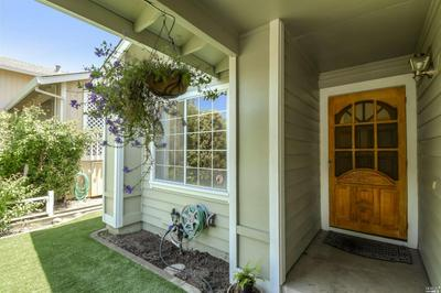 914 COUNTRY MEADOW LN, Sonoma, CA 95476 - Photo 2