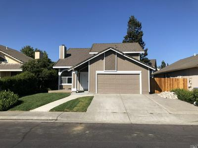 984 WOOD HOLLOW CT, Fairfield, CA 94533 - Photo 2