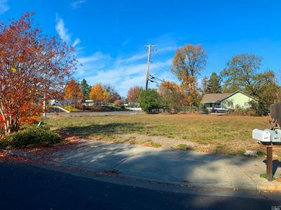 902 STARR CREEK CT, Windsor, CA 95492 - Photo 2