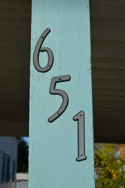 651 E D ST, DIXON, CA 95620 - Photo 2