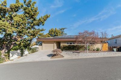 652 WASHINGTON ST, Vallejo, CA 94590 - Photo 2