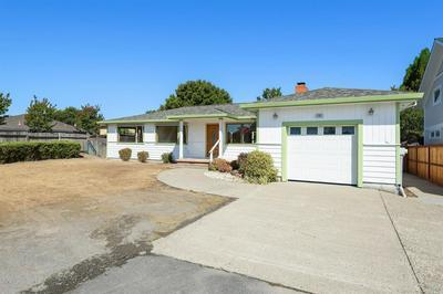 105 KELLY LN, Petaluma, CA 94952 - Photo 2