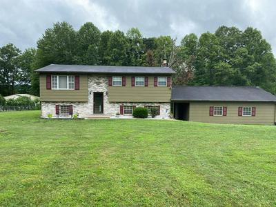210 GUADALCANAL AVE, BECKLEY, WV 25801 - Photo 1