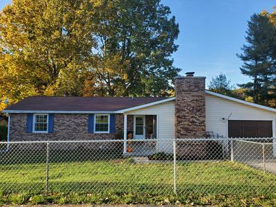 121 YOUNG ST, OAK HILL, WV 25901 - Photo 1