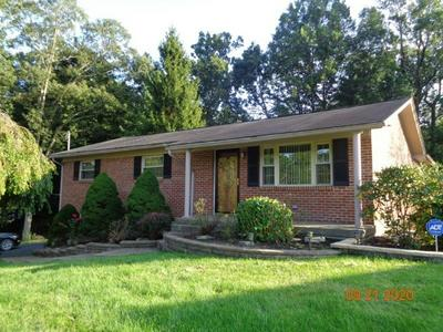 136 OAKLEY RD, BECKLEY, WV 25801 - Photo 2