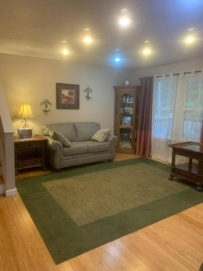 124 PEPPER LN, CRAB ORCHARD, WV 25801 - Photo 2