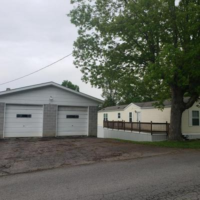 122 PINE TRL, BEAVER, WV 25813 - Photo 1