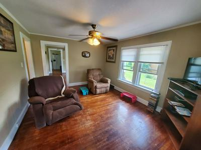 322 COMBS ST, CRAB ORCHARD, WV 25827 - Photo 2