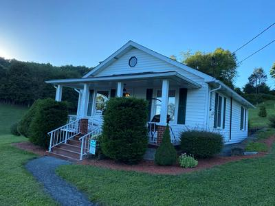 707 STANAFORD RD, BECKLEY, WV 25801 - Photo 1