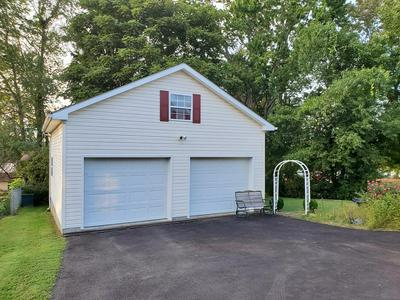 225 W MAPLE AVE, FAYETTEVILLE, WV 25840 - Photo 2