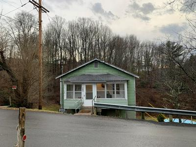 101 WASHINGTON AVE, Crab Orchard, WV 25827 - Photo 2