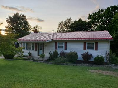 225 W MAPLE AVE, FAYETTEVILLE, WV 25840 - Photo 1