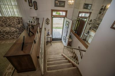 104 HOLLIDAY DR, BECKLEY, WV 25801 - Photo 2