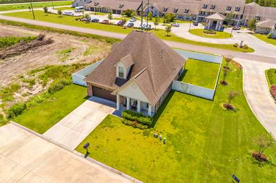 102 VILLA DR, Thibodaux, LA 70301 - Photo 2