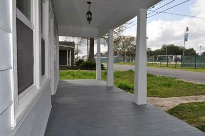 727 TETREAU ST, Thibodaux, LA 70301 - Photo 2