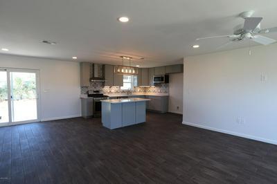 212 S KIMBREL AVE, CALLAWAY, FL 32404 - Photo 2