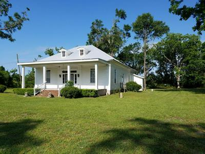 4257 BRYAN ST, GREENWOOD, FL 32443 - Photo 1