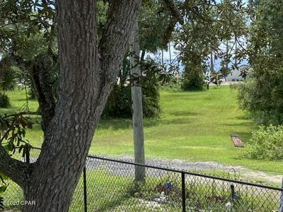 118 ALABAMA ST, Carrabelle, FL 32322 - Photo 2