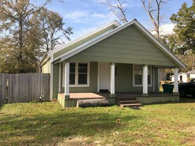 796 SINCLAIR ST, CHIPLEY, FL 32428 - Photo 1