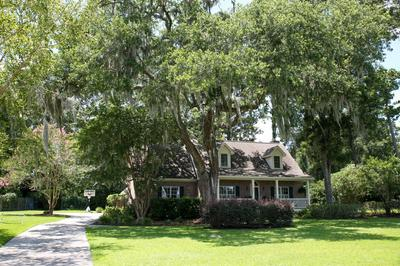 1130 OTTER CIR, Beaufort, SC 29902 - Photo 2
