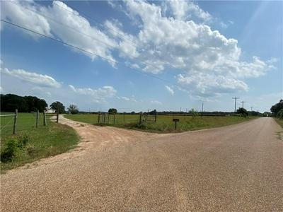 1720 COUNTY ROAD 347 LOOP, Gause, TX 77857 - Photo 2