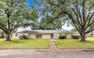 1004 CALVERT ST, HEARNE, TX 77859 - Photo 1