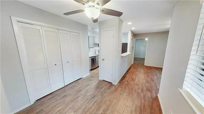 1901 HOLLEMAN DRIVE 103, COLLEGE STATION, TX 77840 - Photo 2
