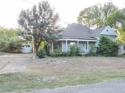 415 N 2ND ST, Normangee, TX 77871 - Photo 2