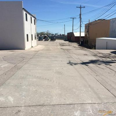 801 E SAINT ANDREW ST, Rapid City, SD 57701 - Photo 2