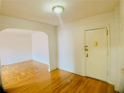 570 OCEAN PKWY APT 3D, Brooklyn, NY 11218 - Photo 1