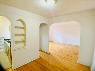 570 OCEAN PKWY APT 3D, Brooklyn, NY 11218 - Photo 2