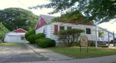 160 GREAT NECK RD, Copiague, NY 11726 - Photo 1