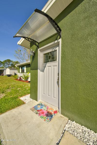 1053 LAKEMOOR BLVD, ROCKLEDGE, FL 32955 - Photo 2