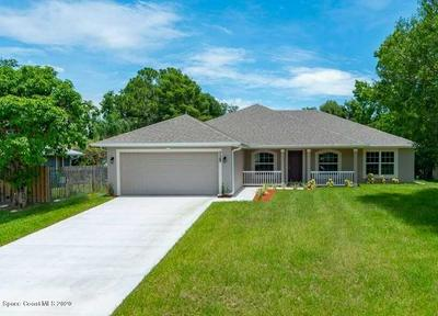 425 PERCH LN, Sebastian, FL 32958 - Photo 1