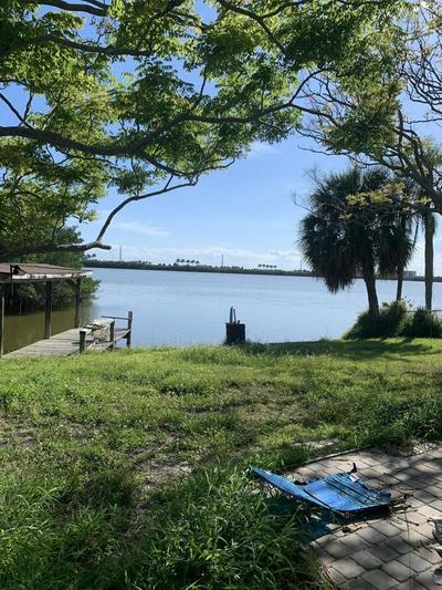 1425 PHYLLIS DR, MERRITT ISLAND, FL 32952 - Photo 2