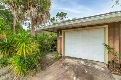524 COMMODORE AVE NW, Palm Bay, FL 32907 - Photo 2