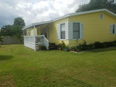 142 VANGUARD CIR, Cocoa, FL 32926 - Photo 2