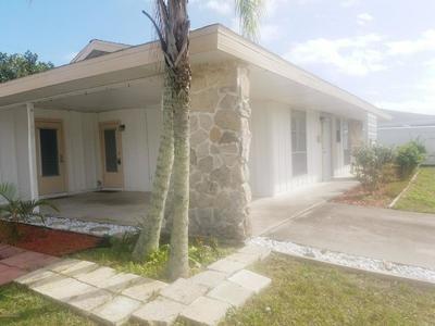 805 BAHAMA ST NE, PALM BAY, FL 32905 - Photo 2