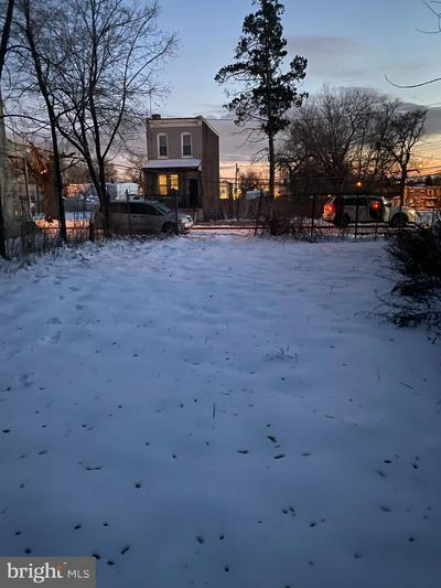 905 FLORENCE ST, CAMDEN, NJ 08104 - Photo 2