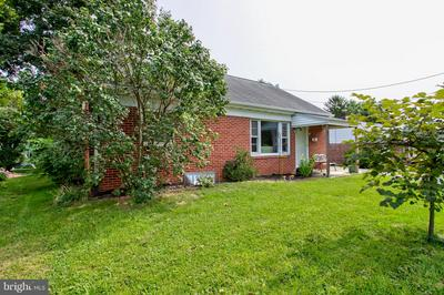 436 N PRINCE ST, MILLERSVILLE, PA 17551 - Photo 2