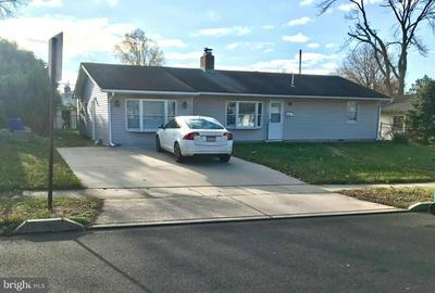 24 BASSWOOD RD, LEVITTOWN, PA 19057 - Photo 1