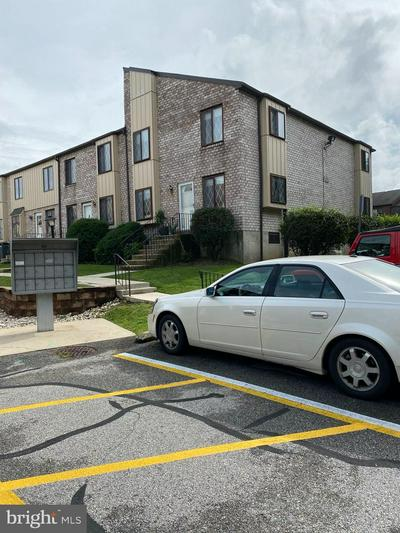 5200 HILLTOP DR APT AA18, BROOKHAVEN, PA 19015 - Photo 1