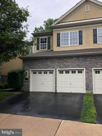 811 CREEKVIEW DR, BLUE BELL, PA 19422 - Photo 2