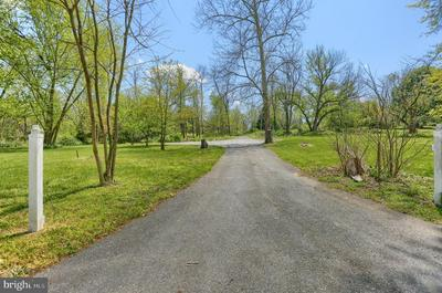 145 WILLOW MILL PARK RD, MECHANICSBURG, PA 17050 - Photo 1