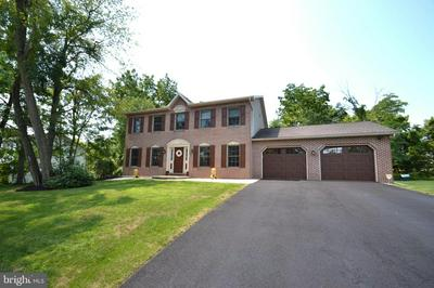2244 FOREST HILLS DR, HARRISBURG, PA 17112 - Photo 2