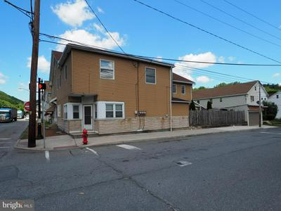 401 N RAILROAD ST, TAMAQUA, PA 18252 - Photo 1